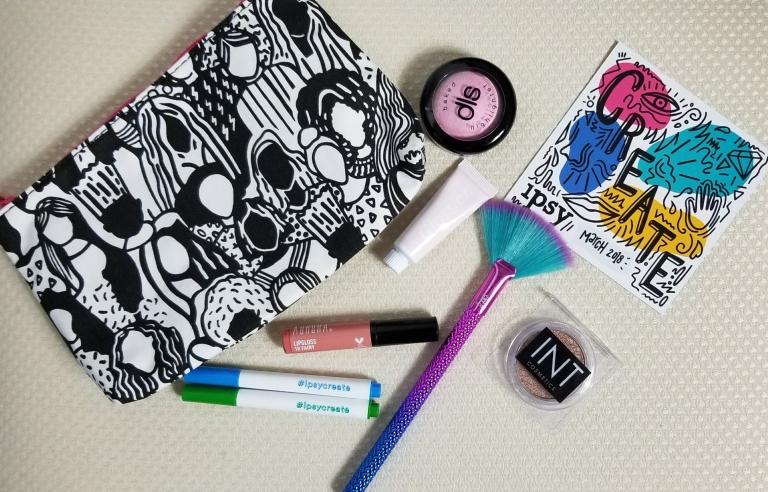 Ipsy, makeup, subscription boxes, fashion, blogger, highlighter, eyeshadow, lipgloss, cosmetics, face makeup, latina